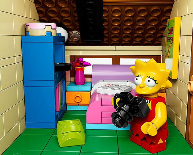lisa-simpson-lego-set
