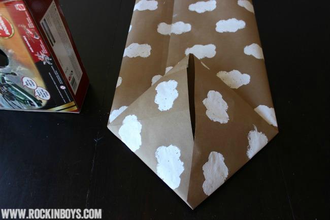 DIY Disney Planes Gift Wrap Bag
